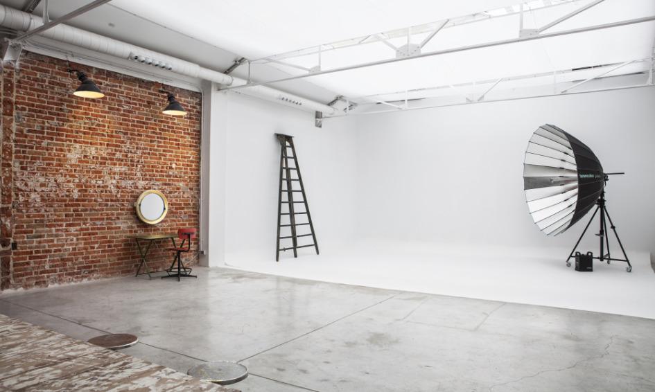 camera studio - location finder