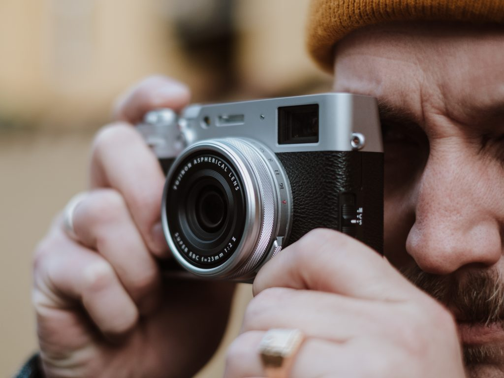 The Spotlight Awards 2020 Grand Prize Winner will be the proud owner of the one and only Fujifilm X100V – we go through its features