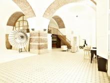 studio bank