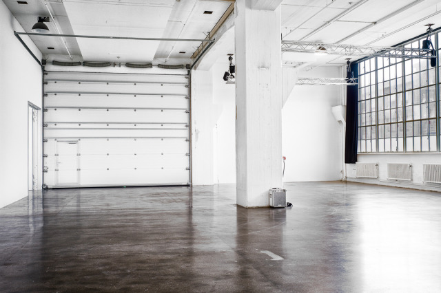 Studios, ranging from 100 to 350 square meters gallery
