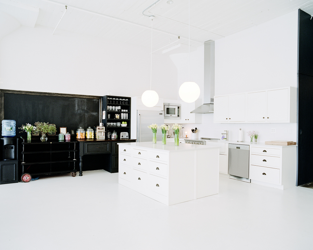 Overlooking The New York Skyline Pure Space Is A Private 5000 Square Foot Studio In West Chelsea Gallery District Convenient For High Line And