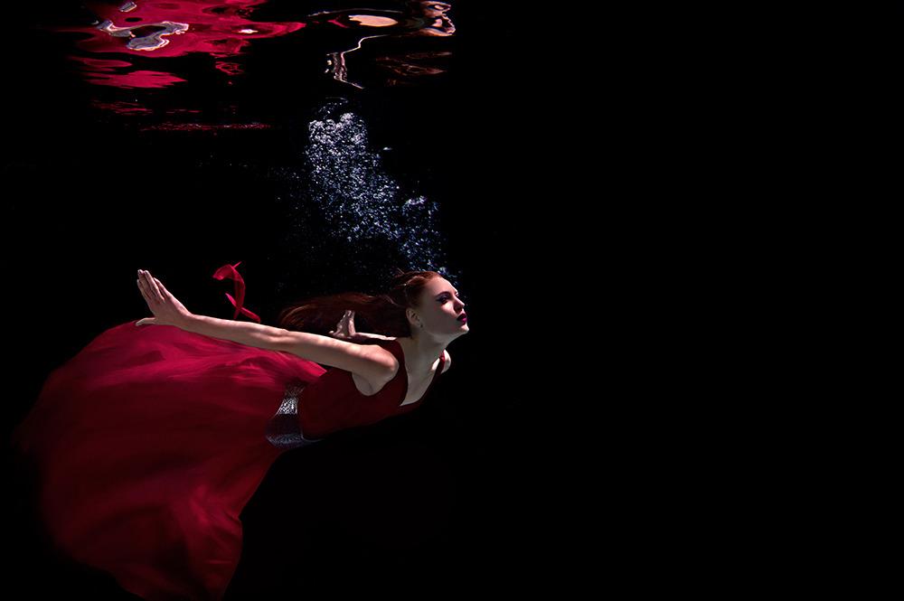 Frank P. Wartenberg - Underwater Photography + Motion Spotlight Mar 2016  magazine - Production Paradise