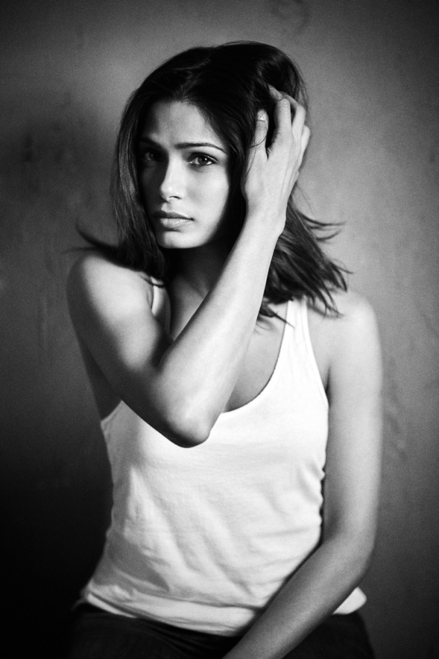 Actress: Freida Selena Pinto gallery