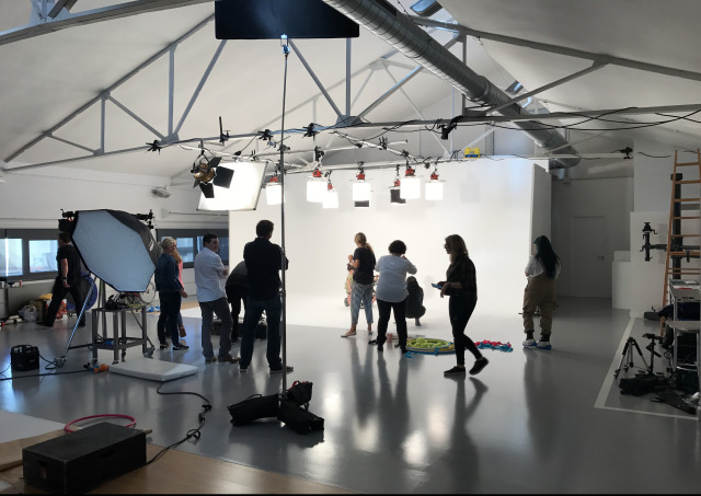 Multiple studio light options gallery
