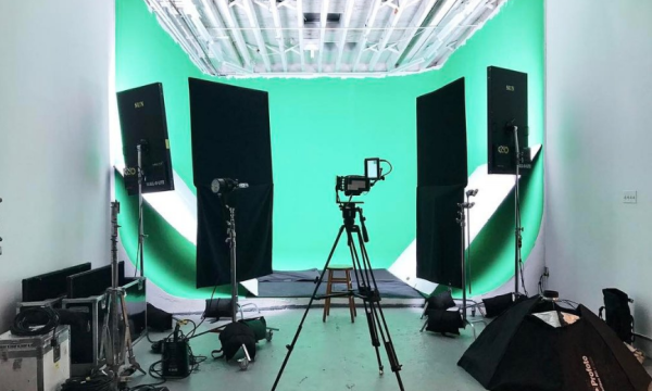 Three Wall Cyclorama Studio, with greenscreen capability and 600amps of power