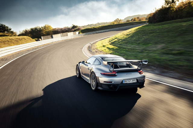 Porsche GT2 RS for 000 Magazine gallery