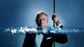 London Showcase 724 Cover by MAI - Photo: Sølve Sundbsø feat. Daniel Craig for Omega