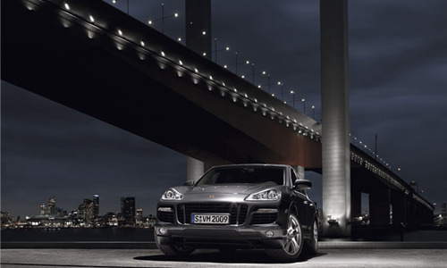 Title: Porsche Cayenne Turbo S  gallery