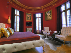 COVER PHOTO: HOTEL BANKE, PARIS