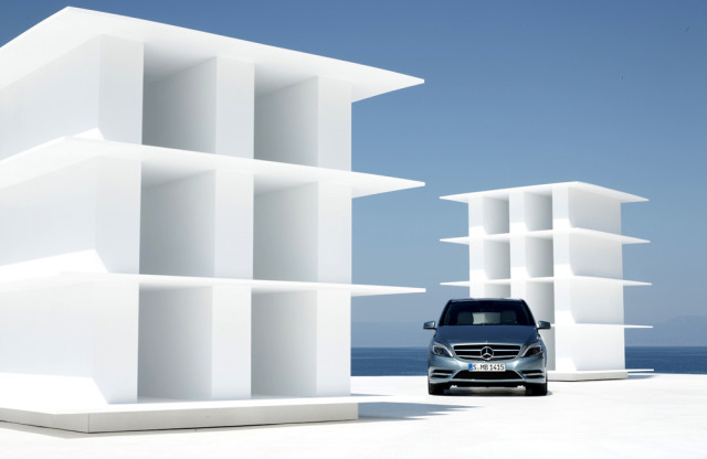 Mercedes B-Class, Outdoorstudio Greece gallery