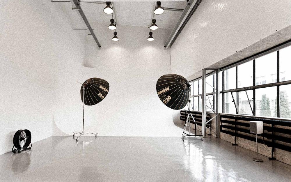 Studio Las - Warsaw Is...
