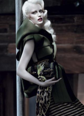 Photographer: Paulo Vainer for Harper's Bazaar Brasil gallery