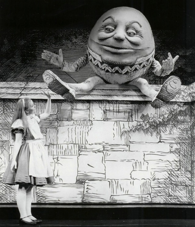 Alice in Wonderland on Broadway, Kate Burton gallery