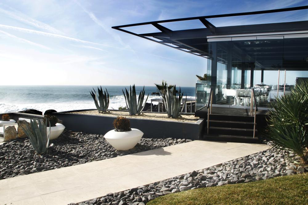 Farol design hotel lisbon issue 407 showcase may 2013 for Design hotel cascais