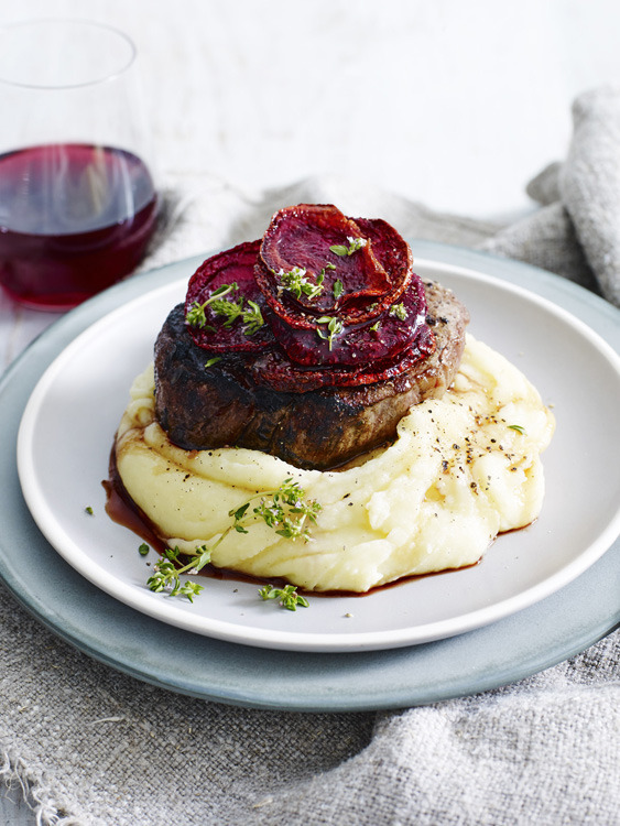 Pan-Fried Beef Fillet with Horseradish Mash&Beetroot Chips gallery